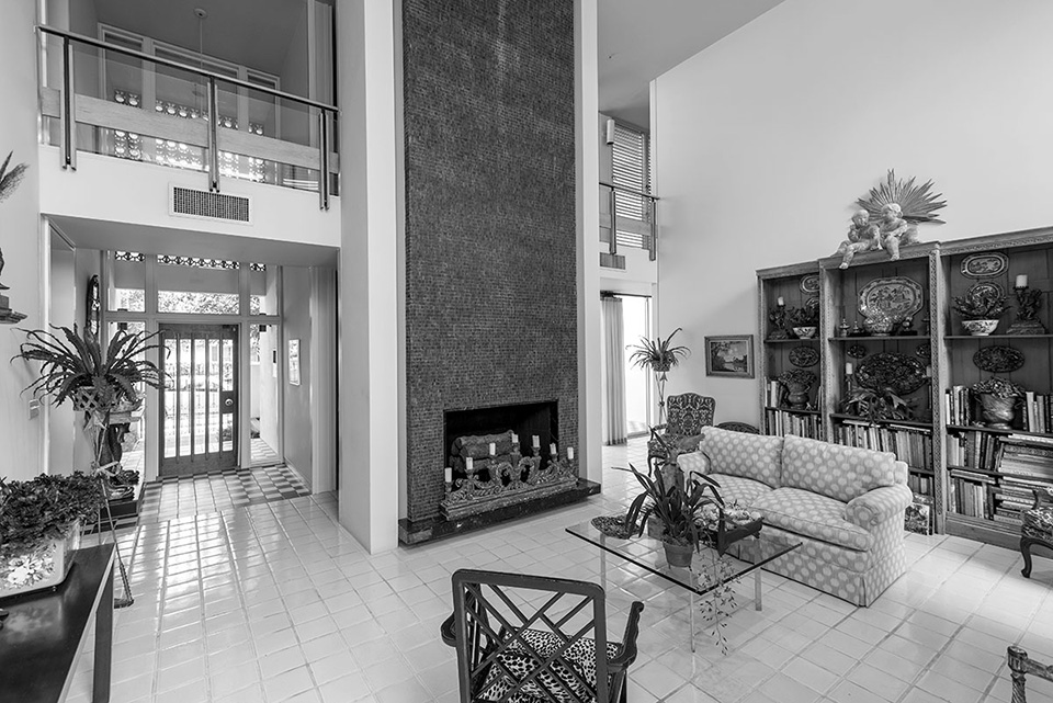 41-Bering-living-room-wide-bw