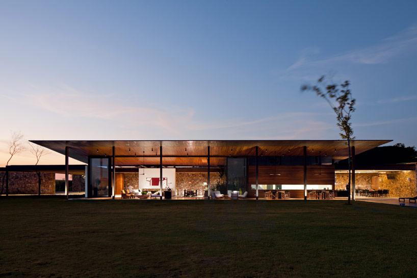cowboyzoom-jacobsen-arquitetura-BV-house-00