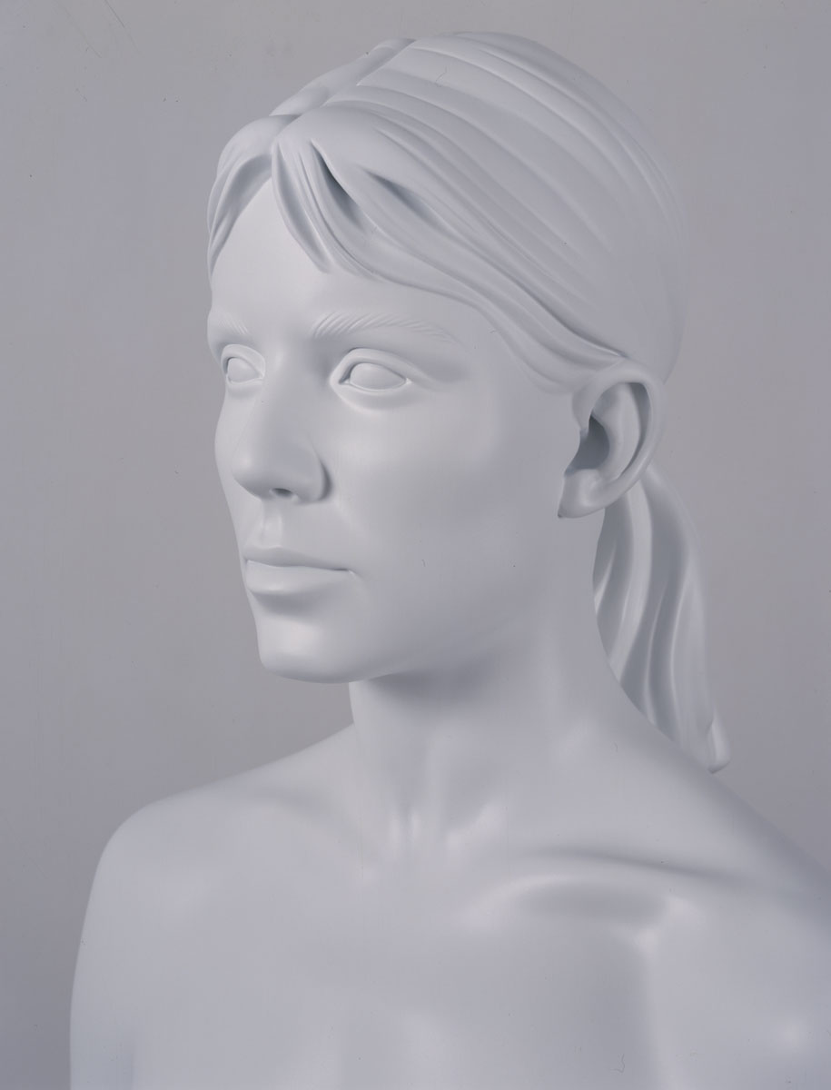 Aluminum-Girl-detail