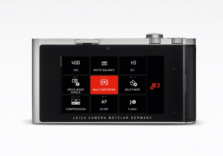 System-T-mirrorless-camera-by-Leica-Audi-04