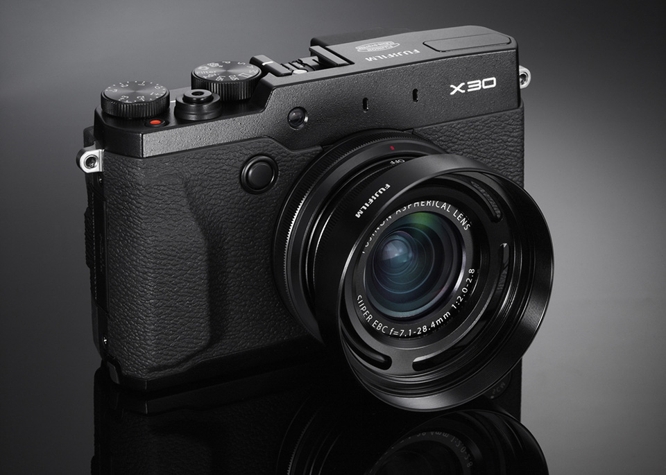 Fujifilm-X30-Compact-Digital-Camera-1