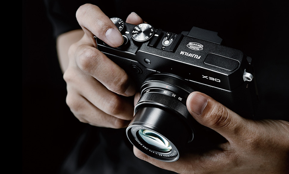 Fujifilm-X30-Compact-Digital-Camera-3