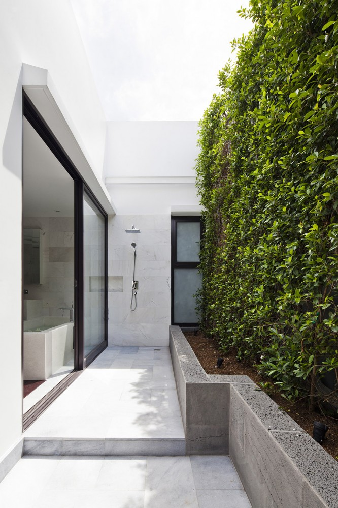 Thao-Dien-House-by-MM-House-Architects-6-666x999
