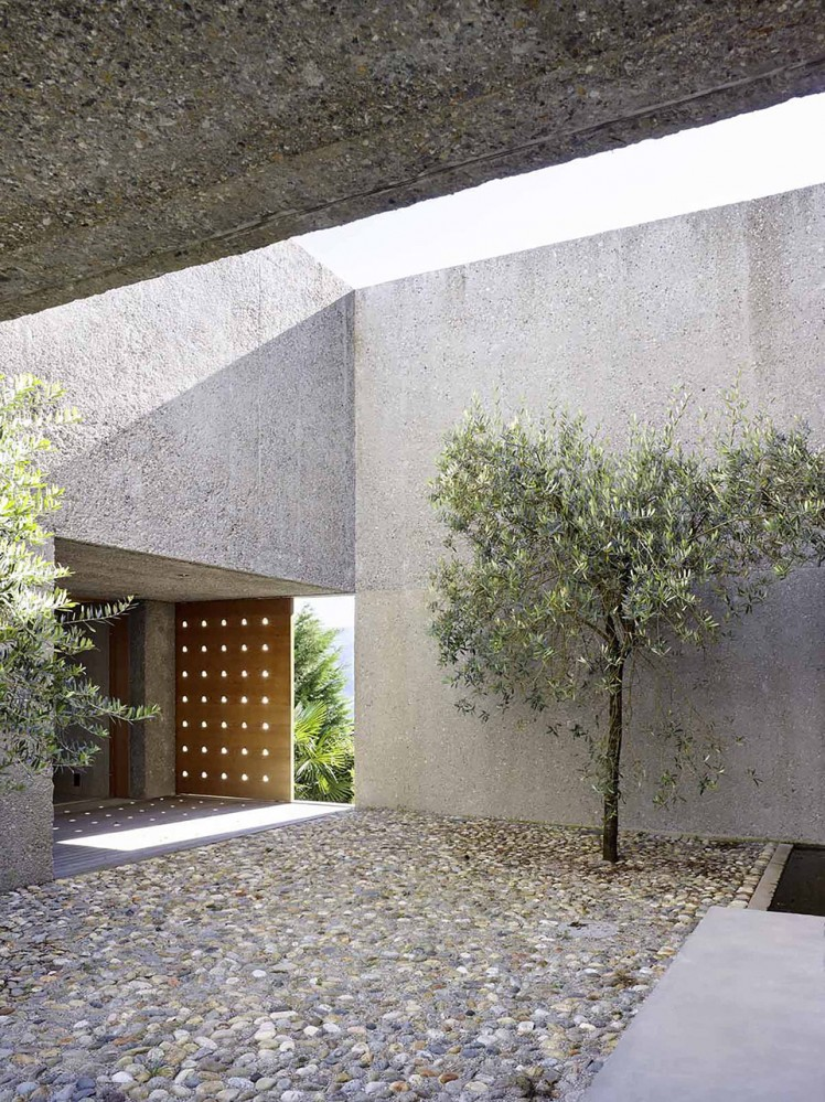 House-in-Brissago-by-Wespi-de-Meuron-Romeo-architects-12-748x999
