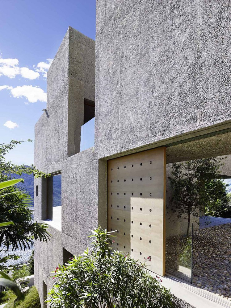 House-in-Brissago-by-Wespi-de-Meuron-Romeo-architects-7-748x999
