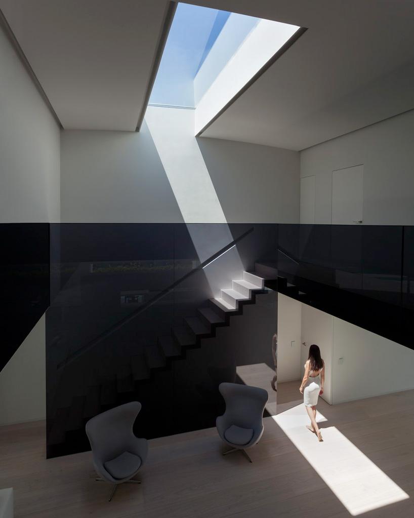 fran-silvestre-arquitectos-balint-house-valencia-spain-cowboyzoom-11