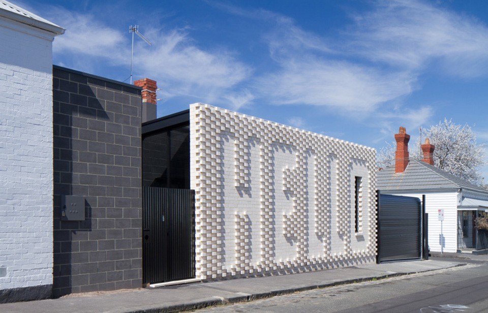 Hello-House-by-Oof-Architecture-1-960x616