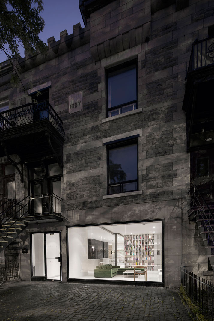1-Espace-St-Denis-by-Anne-Sophie-Goneau-Montreal-Canada