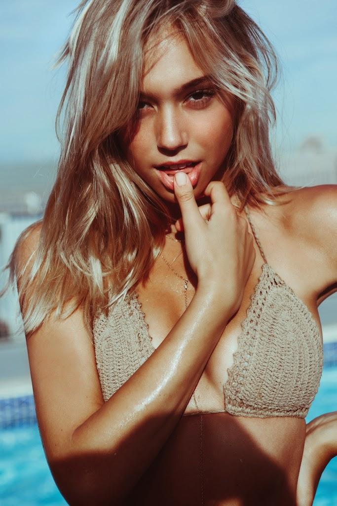 Alexis-Ren-Bikini-Pool-Passmore_1