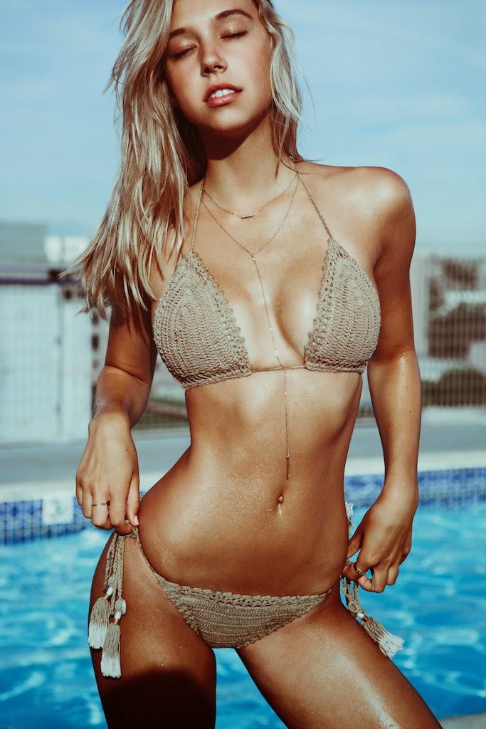 Alexis-Ren-Bikini-Pool-Passmore_13