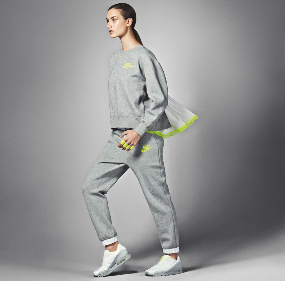 nikelab-x-sacai-collection-lookbook-09