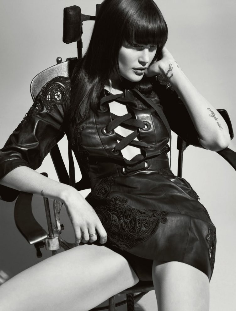 Catherine McNeil By Tom Munro For Numéro C2