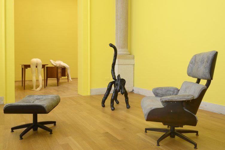sarah-lucas-british-pavilion-at-the-venice-art-biennale-cowboyzoom-04