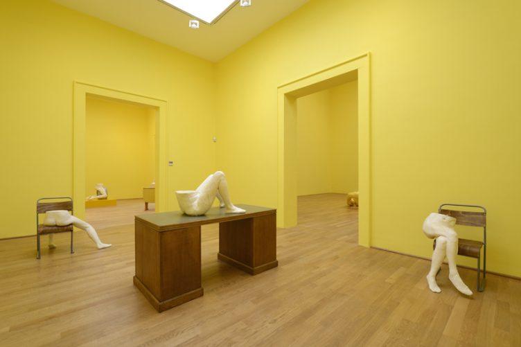 sarah-lucas-british-pavilion-at-the-venice-art-biennale-cowboyzoom-12