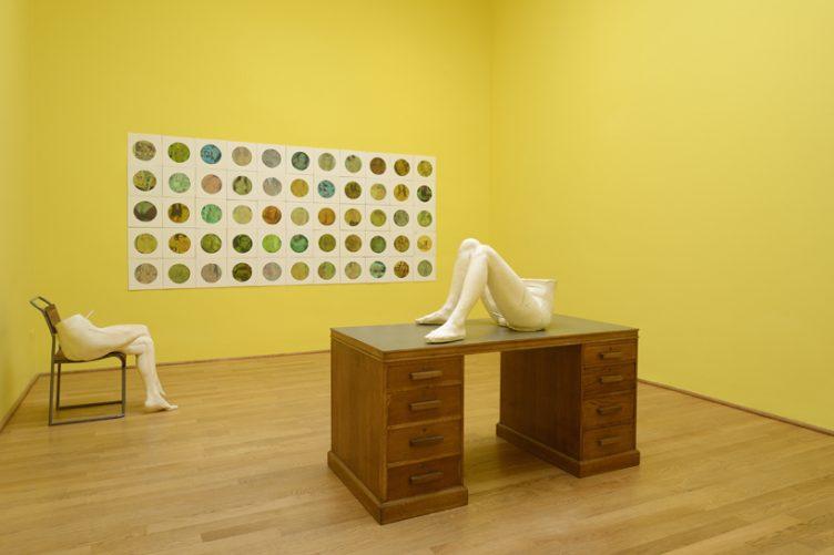 sarah-lucas-british-pavilion-at-the-venice-art-biennale-cowboyzoom-14