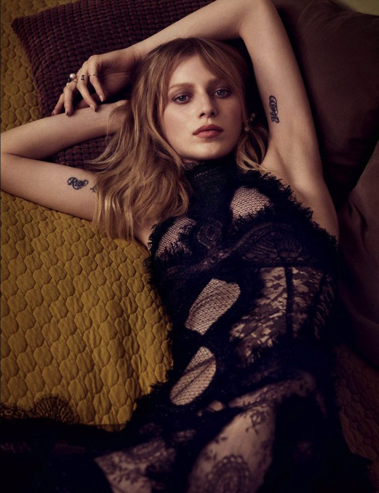 Julia-Nobis-by-Luigi-Iango-for-Vogue-Germany-October-2015