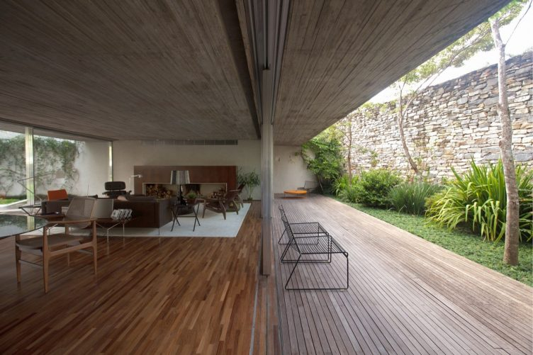 chimney-house-marcio-kogan-studio-mk27-011