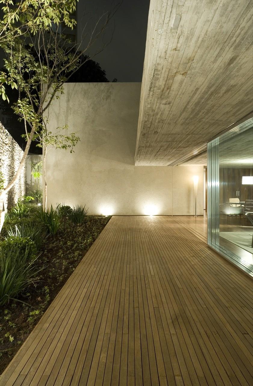 Chimney House By Marcio Kogan  Studio Mk27  C O W B O Y -8401