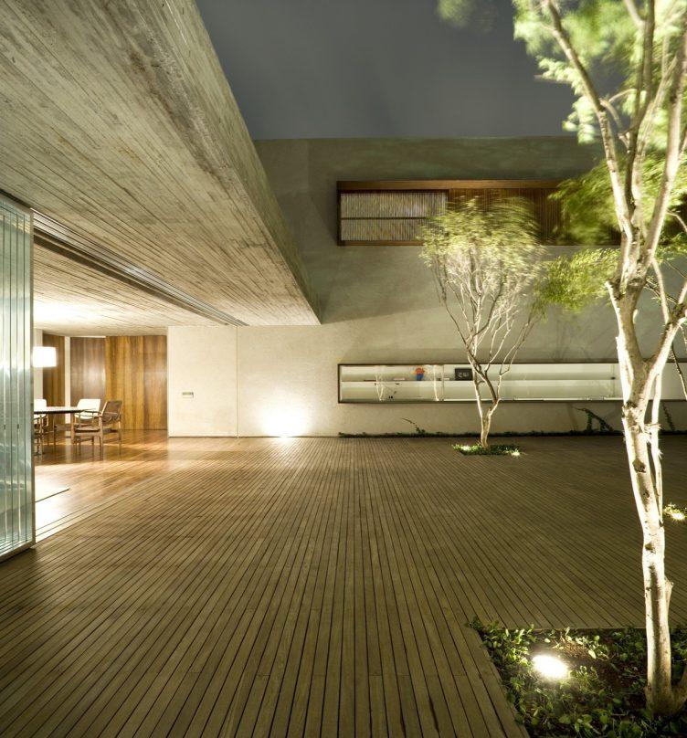 chimney-house-marcio-kogan-studio-mk27-022