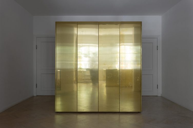gold-and-grey-apartment-by-richard-lindvall-007w