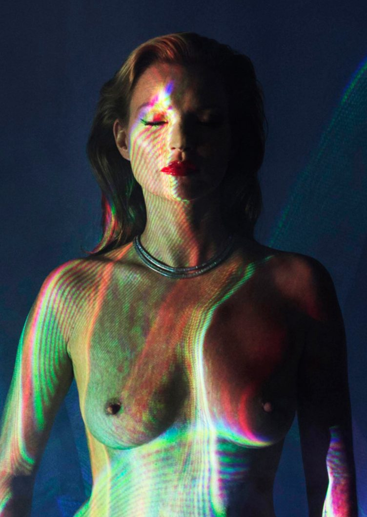 104942-1459263021-CL_Kate Moss_She's Light (Laser 2)_576 ppi3