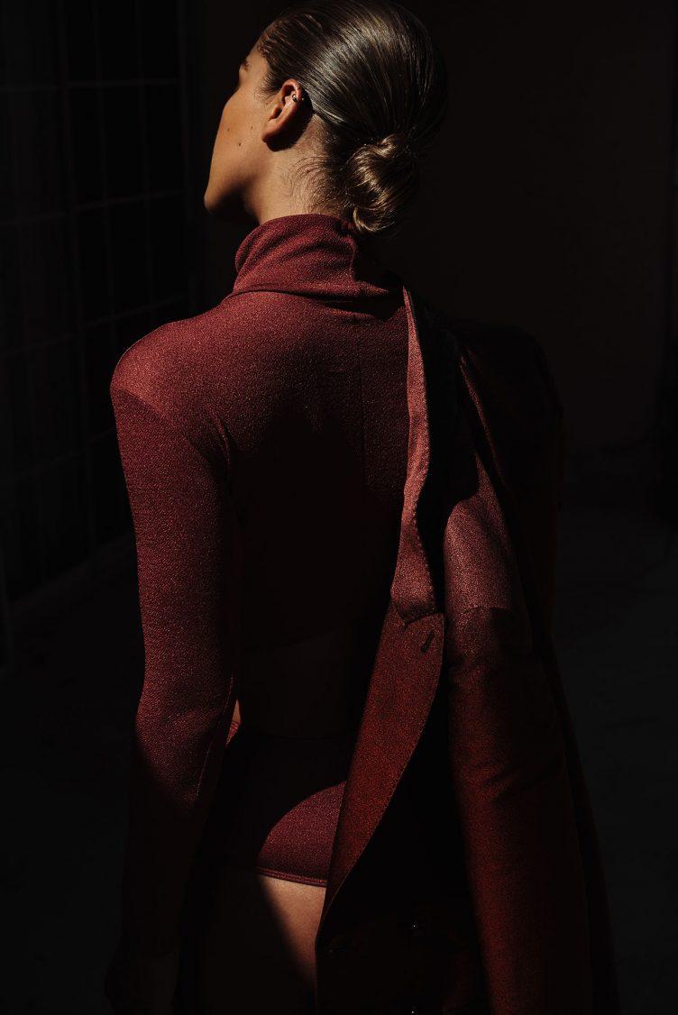 jasmine-sanders-model-golden-girl-004