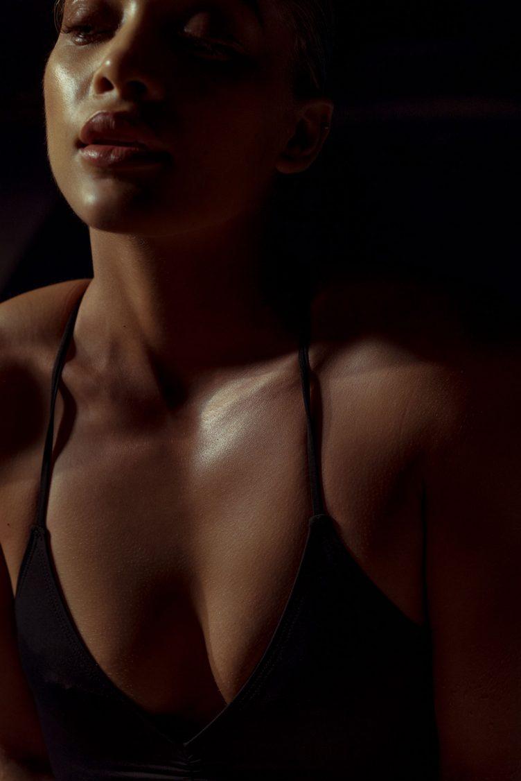 jasmine-sanders-model-golden-girl-014