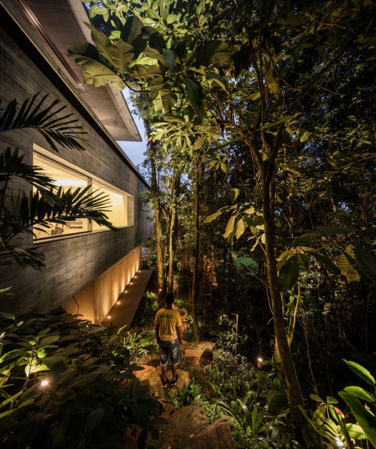 jungle-house-studiomk27-marcio-kogan-samanta-cafardo-040