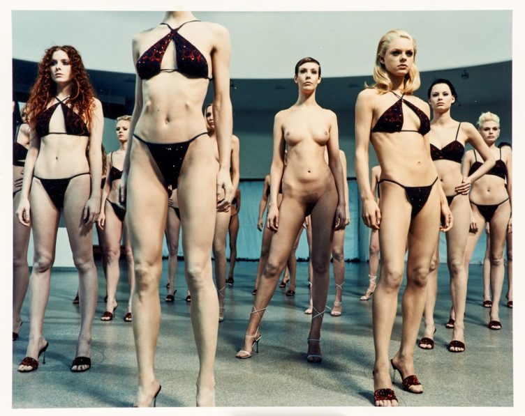 vanessa-beecroft-vb-35-1999