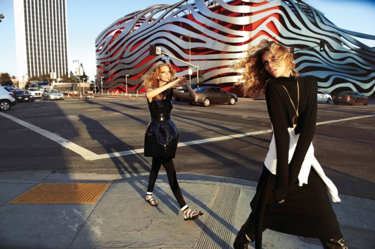 Vogue Paris October 2016 by Glen Luchford - Models Anja Rubik and Lexi Boling 004
