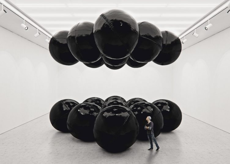 Black Balloons II (Big Scale) - Tadao Cern 03