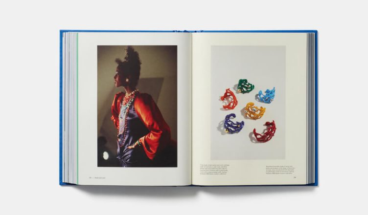 Yves Saint Laurent Accessories - Phaidon Books 005