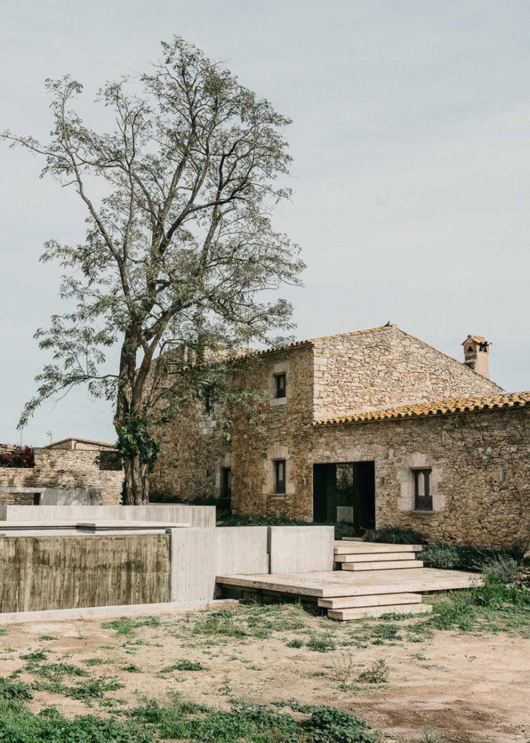 Castell de Peratallada's Garden by Mesura 02