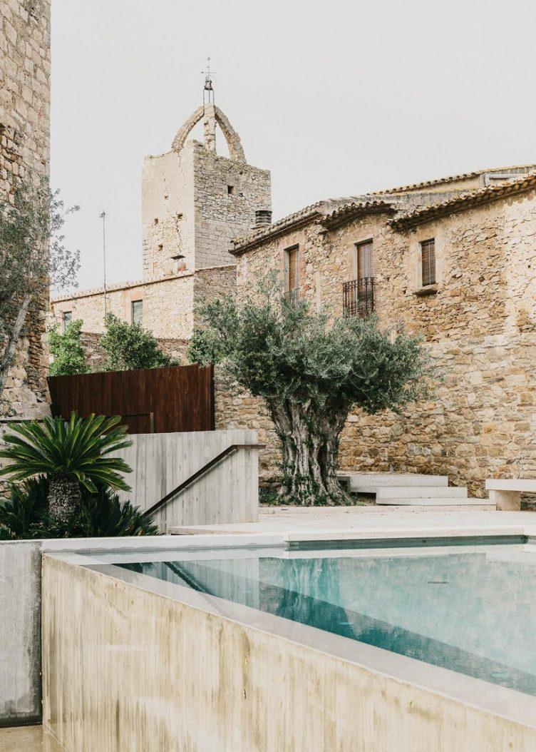 Castell de Peratallada's Garden by Mesura 08
