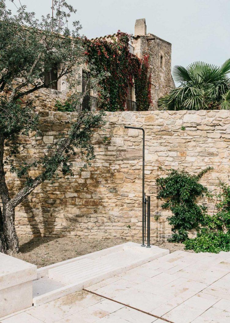 Castell de Peratallada's Garden by Mesura 10
