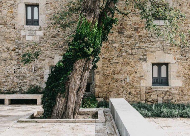 Castell de Peratallada's Garden by Mesura 11