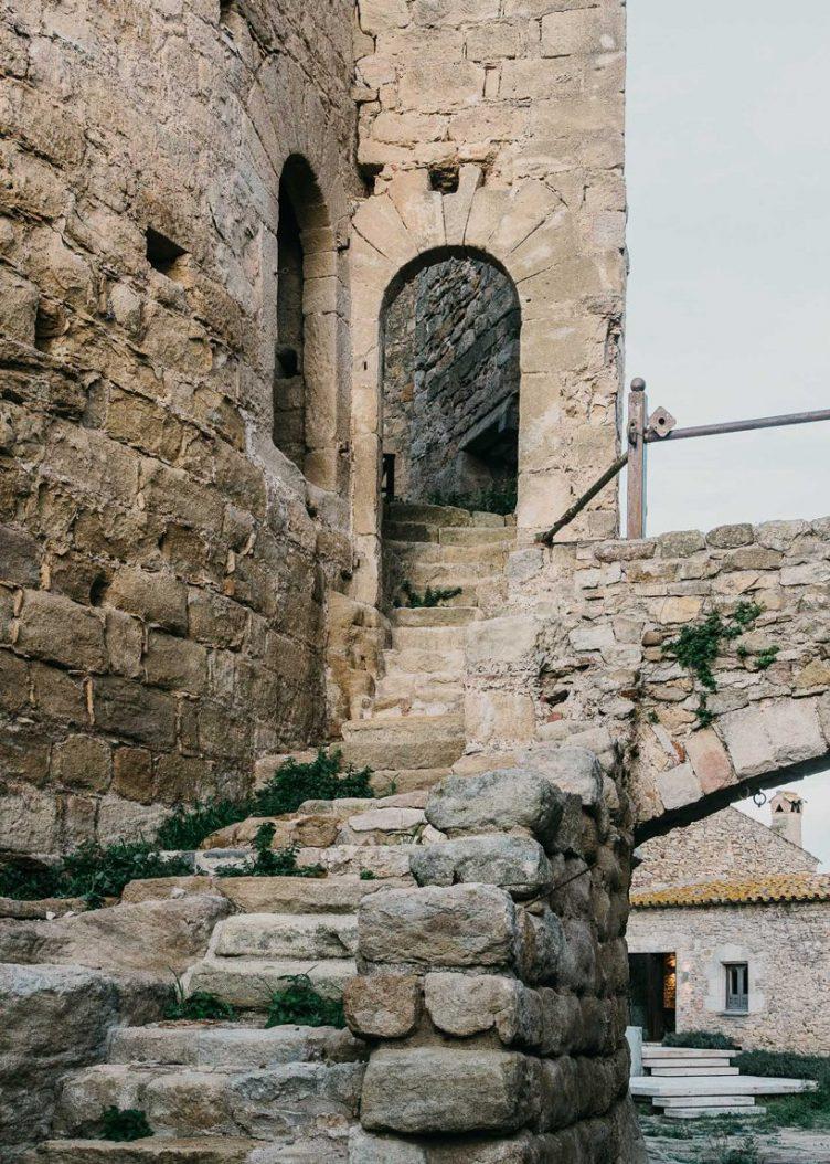 Castell de Peratallada's Garden by Mesura 12