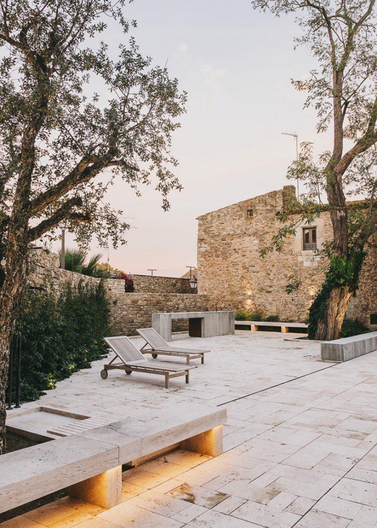 Castell de Peratallada's Garden by Mesura 13