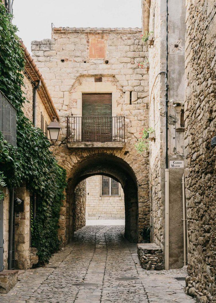 Castell de Peratallada's Garden by Mesura 14