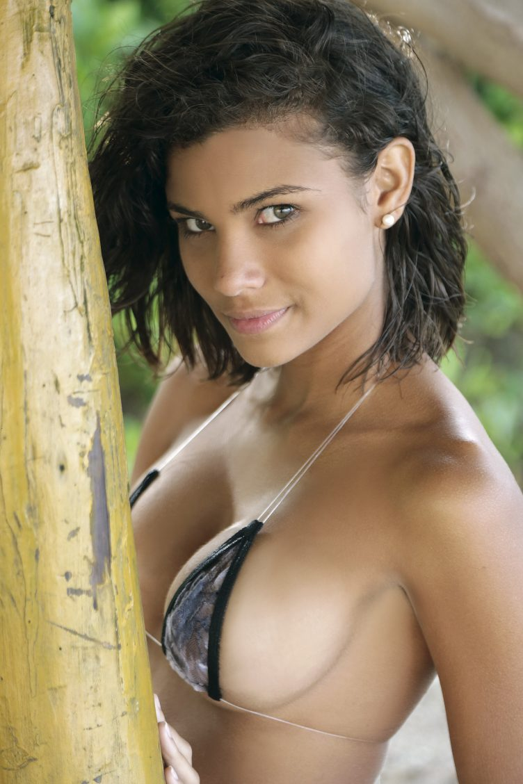Young Exotic Beauties - Richard Lopez 009