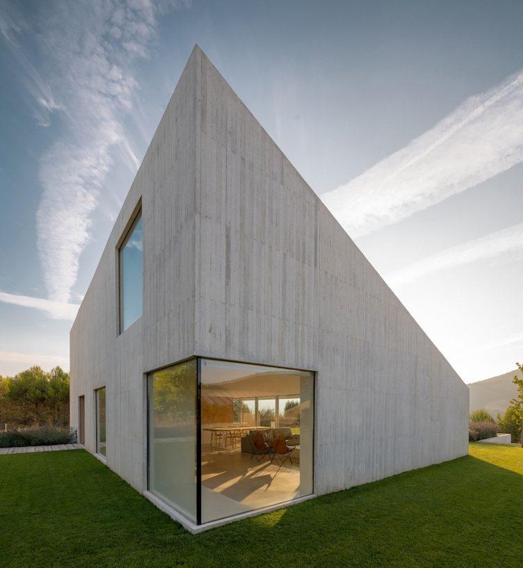 Pamplona House by Pereda Pérez Arquitectos 001