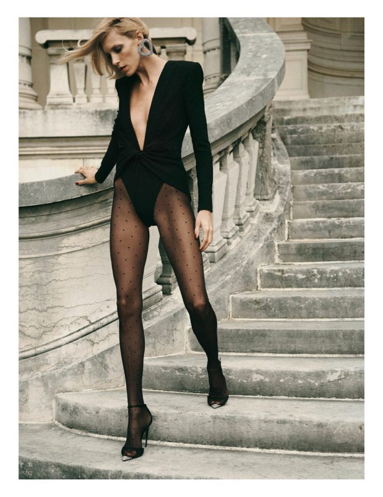 Anja Rubik by Lachlan Bailey for Vogue Paris 003
