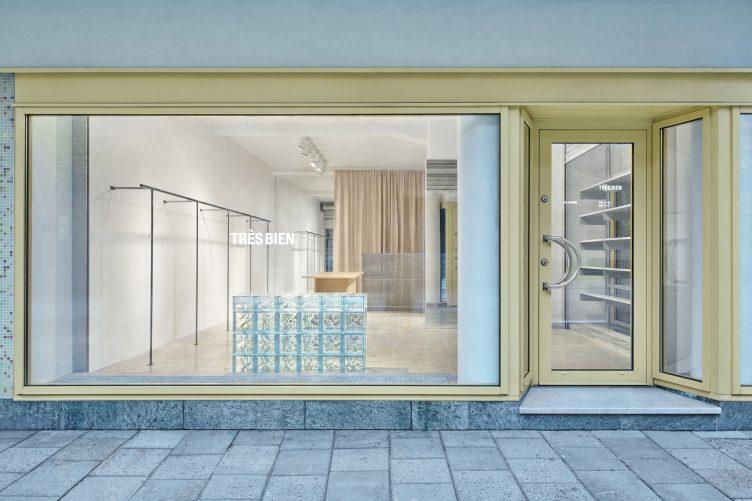 Très Bien HQ Store 001