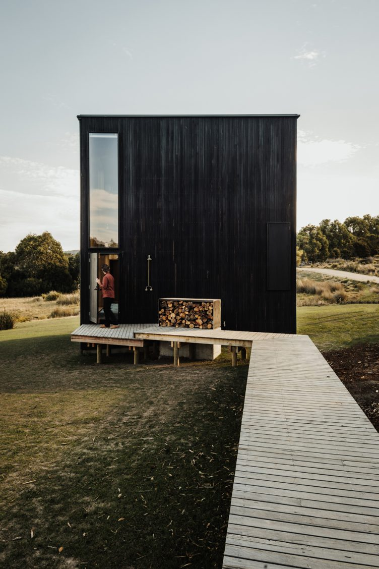 Tasmanian Retreat by Taylor + Hinds Architects 003