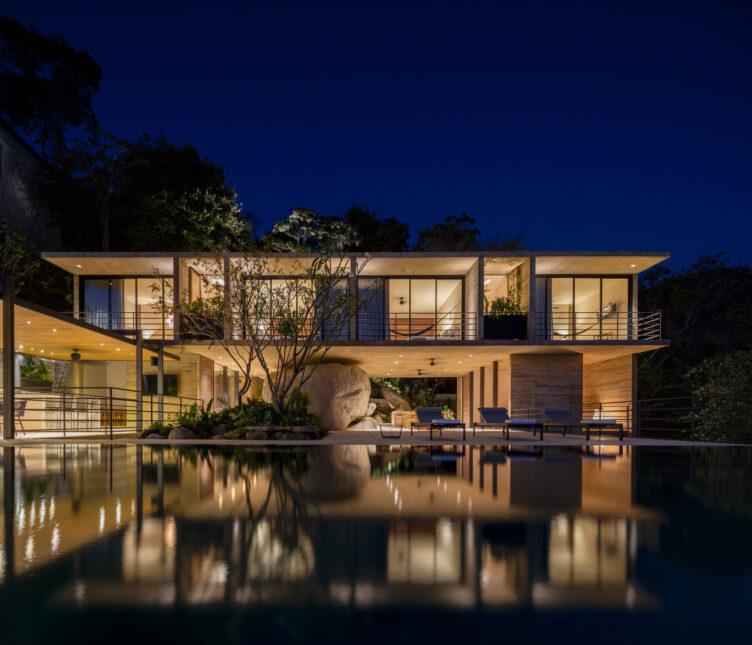 Casa Piedra by Taller de Arquitectura 002