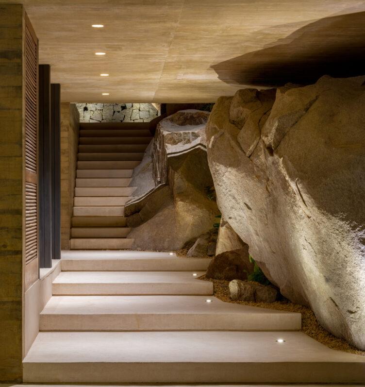 Casa Piedra by Taller de Arquitectura 007