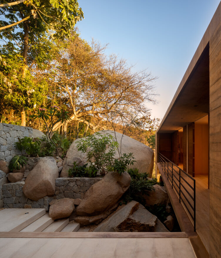 Casa Piedra by Taller de Arquitectura 009