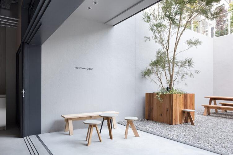 dotcom space Tokyo by Keiji Ashizawa Design 001