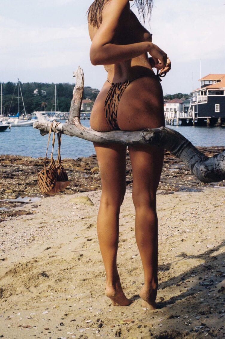 Kristina Mendonca in bikini by Jonny Seelenmeyer 007