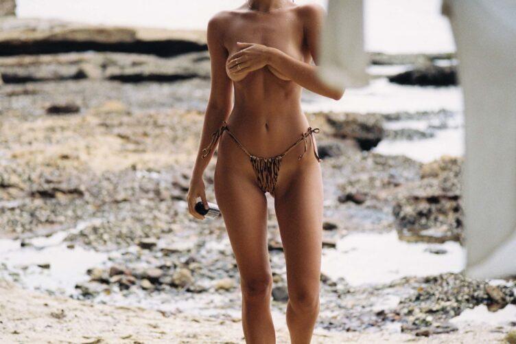 Kristina Mendonca in bikini by Jonny Seelenmeyer 008